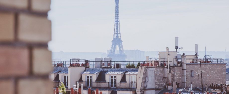 Latest transaction: €408,000 Loan for a property in Paris.