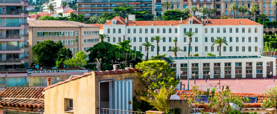 Latest transaction: €930,000 mortgage for a property in Cannes