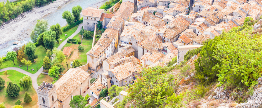 Latest transaction: €1.2M mortgage for a property in Grasse